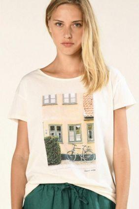 Comprar online Camiseta Qrista Harris Wilson estampado casa y fachada