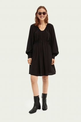 Comprar online Vestido Maison Scotch Cuello Pico en negro